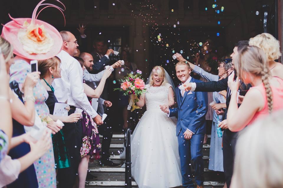 oxford-town-hall-wedding-confetti